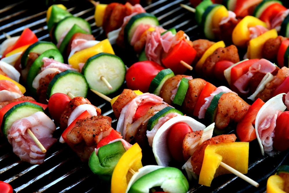 best infrared grill featured image of kabobs